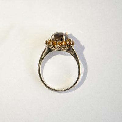 Anello oro giallo 18 Kt con quarzo fume ovale