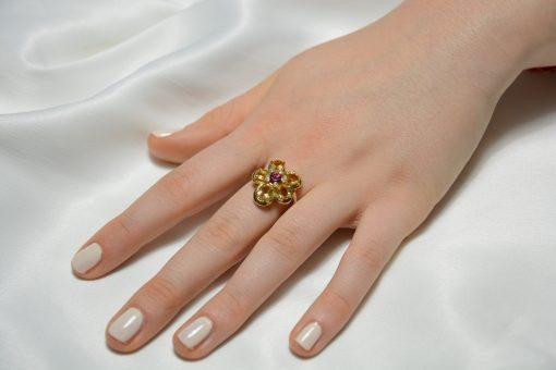 Anello oro giallo 18Kt con citrini e rodolite