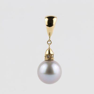 Ciondolo oro giallo 18kt con perla fresh water grigia e zirconi