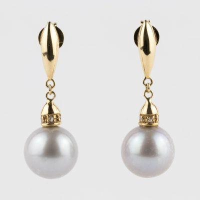 Orecchini oro giallo 18kt con perle fresh water grigie e zirconi